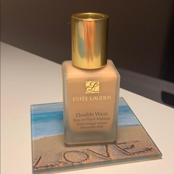 Estee Lauder Other - Estée Lauder Double Wear foundation Shade 2W1 Dawn